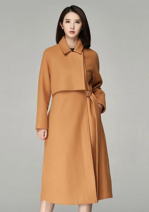 橙黄制服大衣