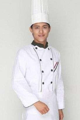 厨师工作服上的油渍如何清洗?