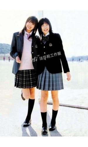 如何选择冬季幼儿园校服款式,幼儿园校服搭配技巧